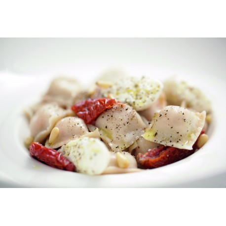 tomato mozarella olive ravioli - bag 2kg